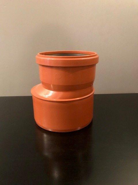 rördel som går från 200 mm till 160 mm i diameter.